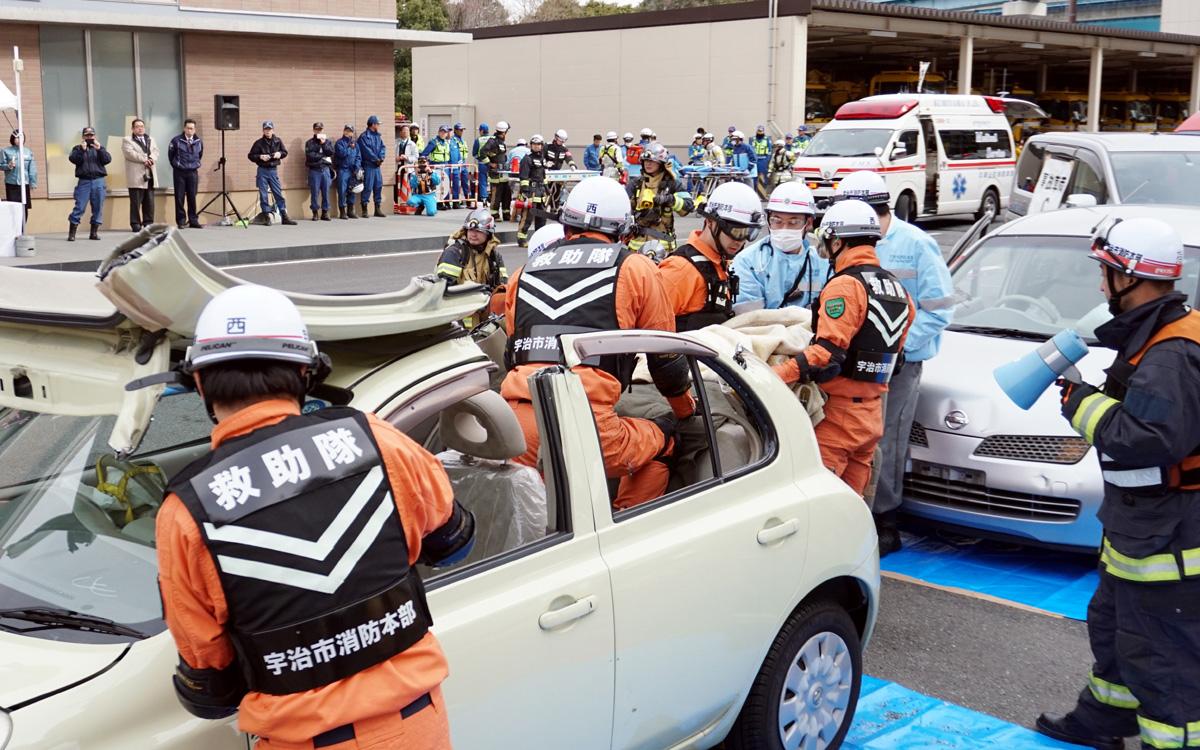 多重事故対応へ訓練/京滋バイパス