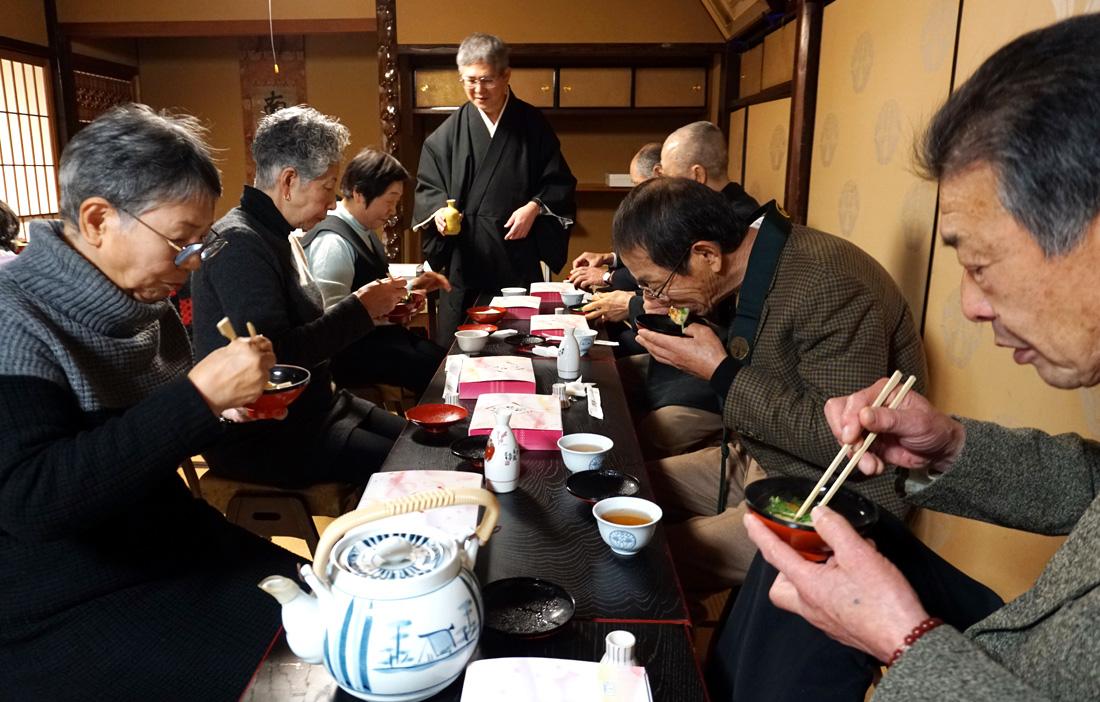 水菜雑煮で無病息災/久御山・浄安寺