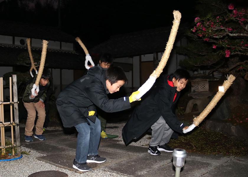 横槌どんのおんまいじゃ/京田辺で伝統行事「おんごろどん」