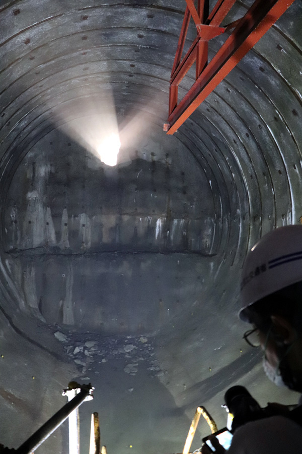 全長617m「トンネル貫通」/天ケ瀬ダム再開発事業