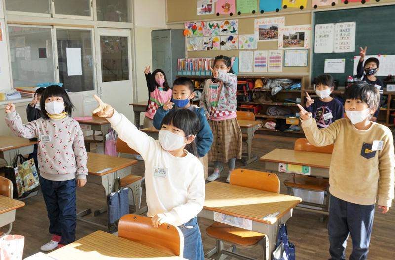思い出は〝密〟の3学期に/久御山の小中で始業式