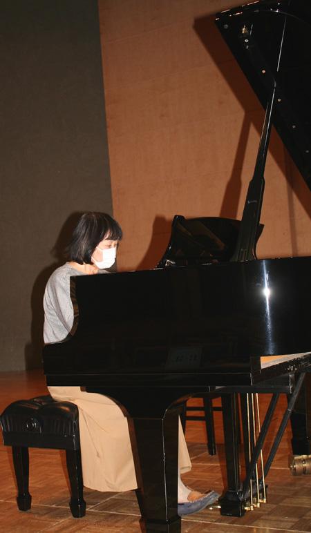 グランドピアノ弾き感動/城陽・つないdeつむぐプロジェクト