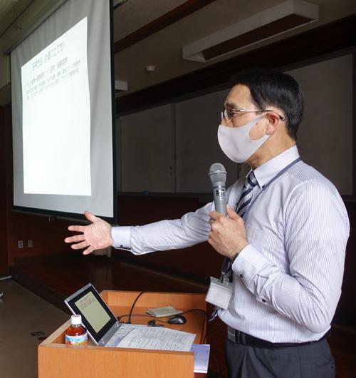 卒業研究をサポート/久御山高で同大出張講義