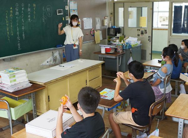 注意尽くして学びの場/公立小中学校で2学期始業式