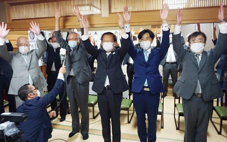 現職・奥田敏晴氏、圧勝でV3/城陽市長選